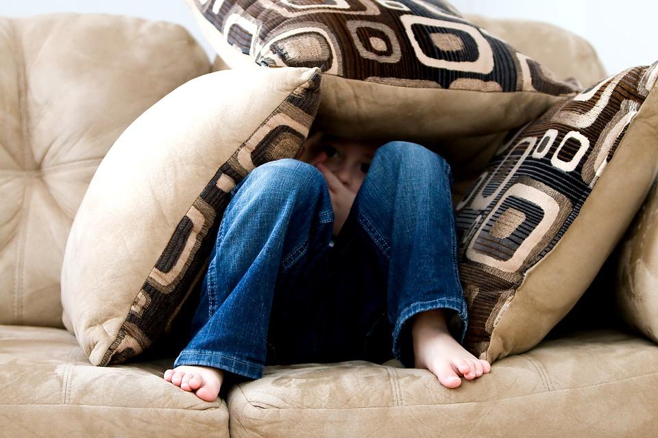 Maltrattamenti a scuola: Bambino a casa