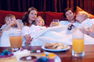 Bambini famiglia televisione